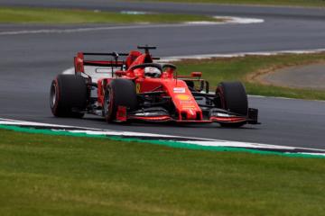 Sebastian Vettel è il deluso delle qualifiche inglesi. A Silverstone, infatti, il tedesco non è andato oltre il 6° tempo (foto da: twitter.com/ScuderiaFerrari)