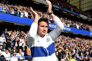 """Il tecnico Blues Frankie Lampard, foto postata sulla pagina """"Facebook"""" ufficiale della Premier League"""