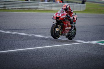Andre Dovizioso in sella alla sua Desmosedici Ducati durante il GP di Buriram. In Giappone, il Dovi giunge da 2° in classifica generale (foto da: twitter.com)