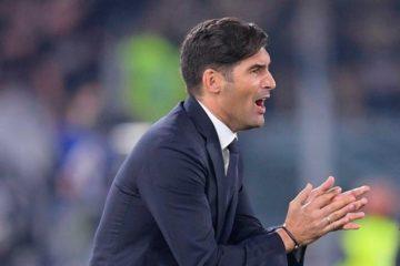 Paulo Fonseca incita i suoi giocatori durante Roma-Milan