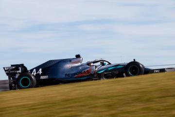 Un convincente Lewis Hamilton risulta il più veloce sia sul giro singolo che sul passo nelle PL2 di Austin (foto da: twitter.com/MercedesAMGF1)