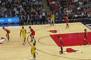 Guidati da un super LeBron James, alla terza tripla-doppia di fila, i Los Angeles Lakers espugnano Chicago e ottengono la sesta W consecutiva (foto da: youtube.com)