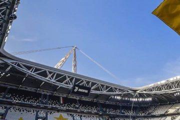 Panoramica interna dello Stadium, presente nell'archivio fotografico di una pagina Facebook dedicata