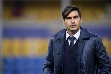 Paulo Fonseca in panchina durante il match Parma-Roma