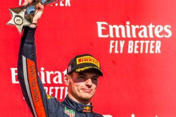 Verstappen mentre festeggia il podio conquistato negli Stati Uniti.  Fonte: Twitter Verstappen