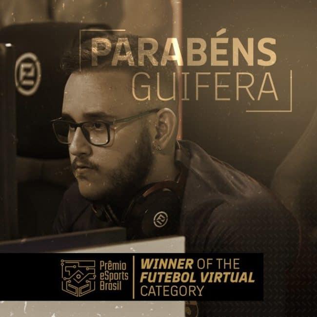 Un'immagine di un vincitore di E-Sport