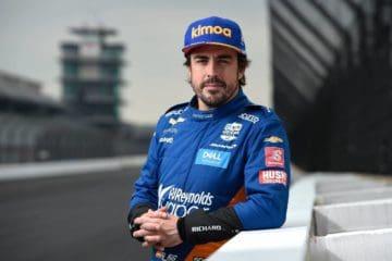 Fernando Alonso tornerà ufficialmente in Formula 1 nel 2021. Ha firmato con la Renault (foto da: twitter.com)