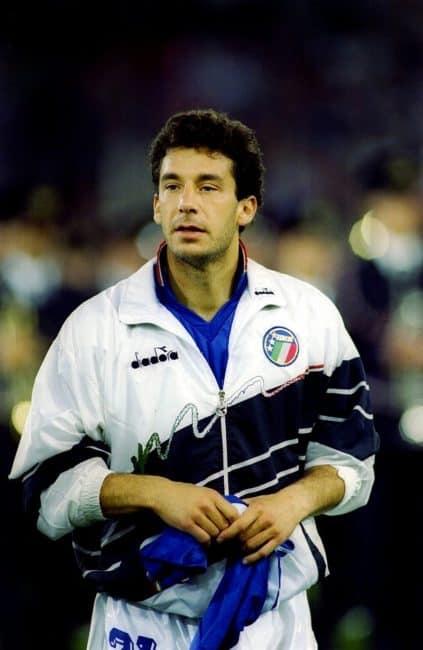 Gianluca Vialli con la maglia della nazionale ai mondiali di Italia '90.