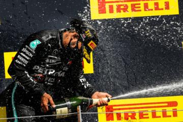 hamilton-podium-britishgp-2020-bis