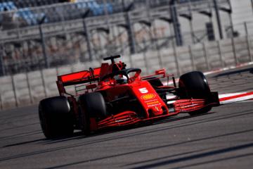 La Ferrari SF1000 di Sebastian Vettel, nel corso delle PL1 del Gran Premio di Russia 2020 (foto da: twitter.com/ScuderiaFerrari)