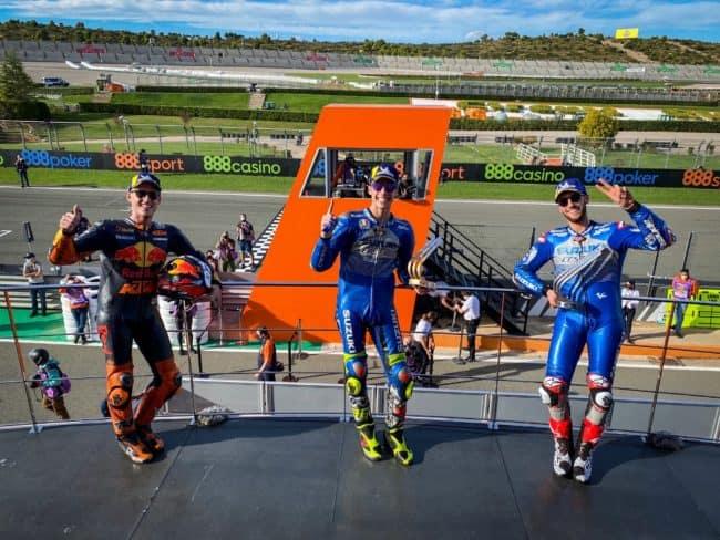 Questa immagine ha l'attributo alt vuoto; il nome del file è podio-motogp-valencia-vince-mir-650x488.jpg