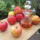 Aceto di mele: proprietà, benefici, ricetta, bufale, usi e controindicazioni